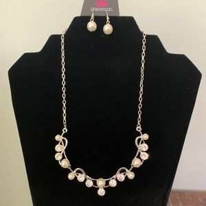 Rhinestone and pearl Paparazzi necklace+earrings